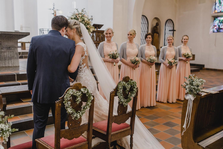 Brautpaar und Brautjungfern Kathrin Filla Fotografie