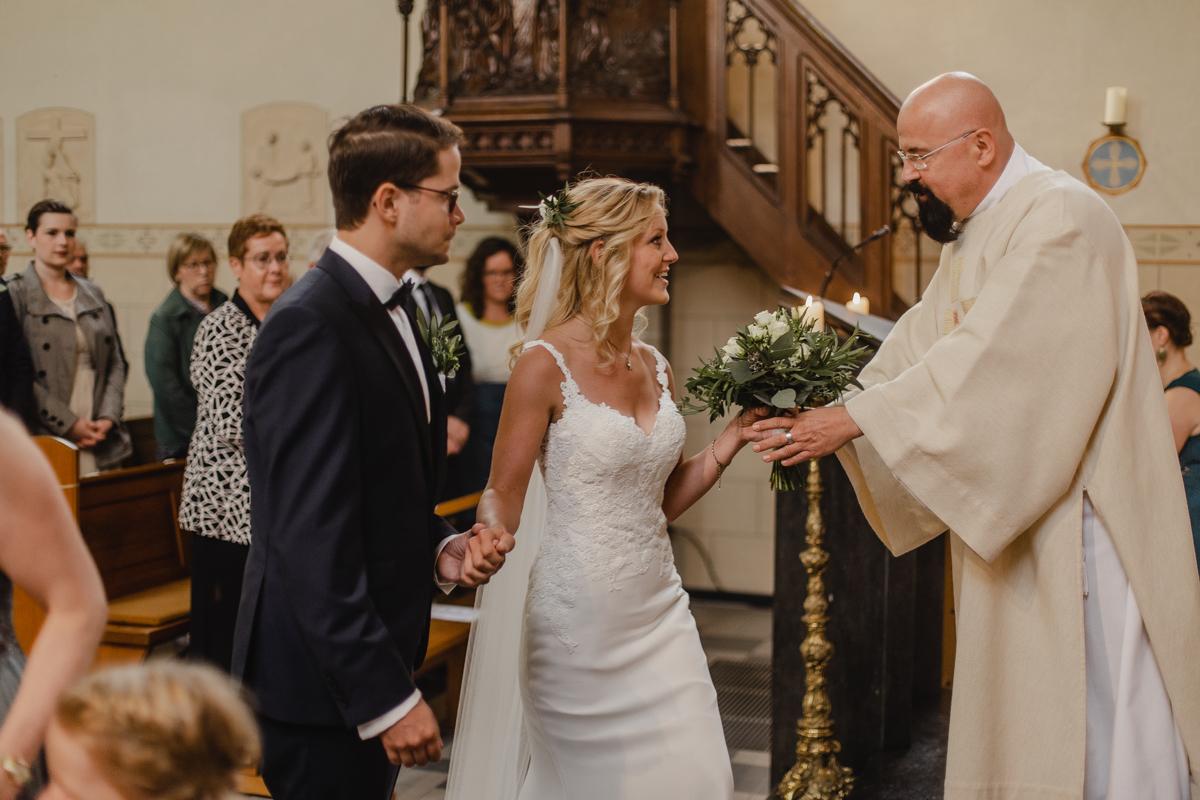 Kirche Einzug des Brautpaars