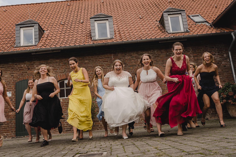Witzige Bilder mit den Brautjungfern