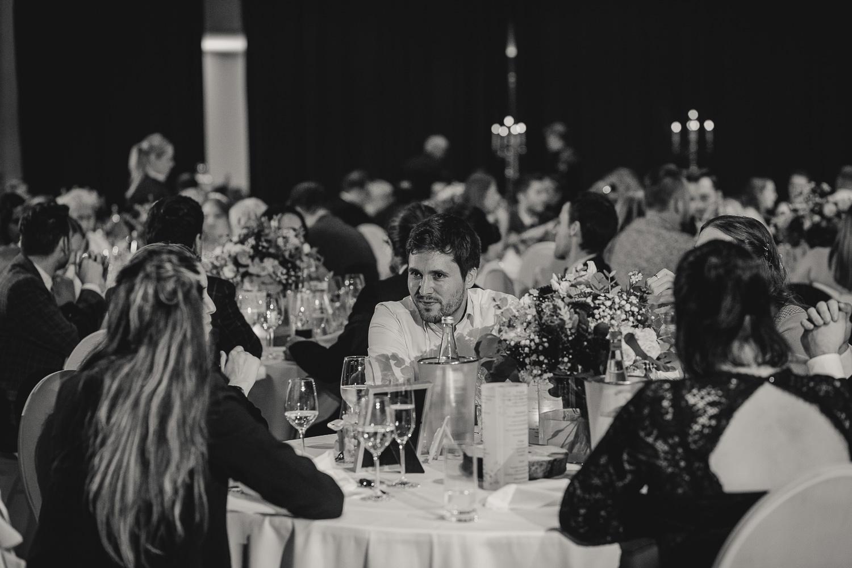 Hochzeitsgäste auf der Hochzeit